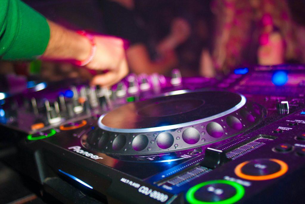 DJ WORKSHOPS Muziekcentrum Eiwerk Amsterdam Dagbesteding WMO